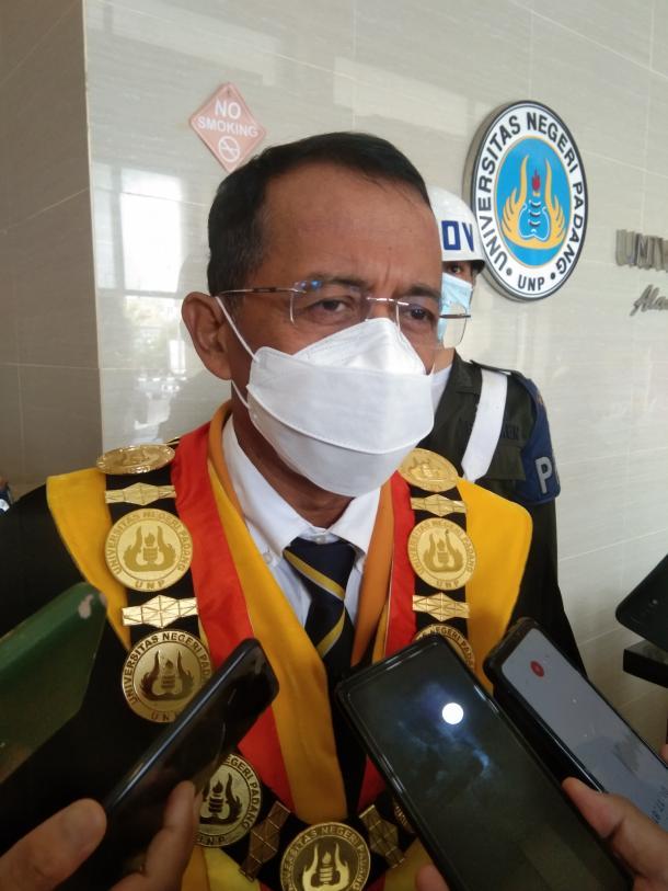 Kota Padang Kembali PPKM Level-4, UNP Akan Meninjau Rencana...