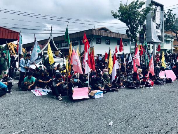 OKP Cipayung Plus Padang Gelar Aksi Tolak Omnibus Law