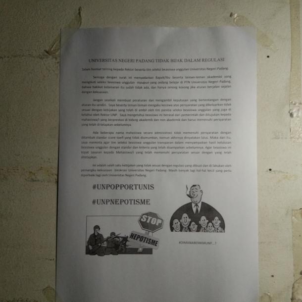 Selembaran Kertas Kritikan Beasiswa Unggulan Tersebar di...