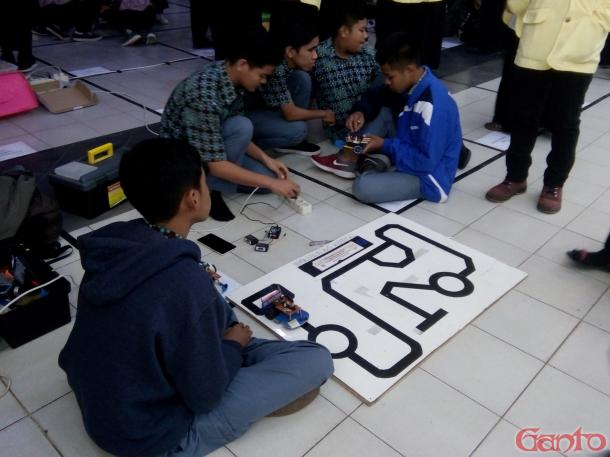 UK Robotika dan Otomasi Gelar UNP Robot Contest