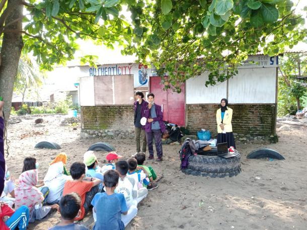 BEM KM FBS UNP Lakukan Pengabdian pada Anak-Anak Masyarakat...