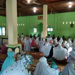Jemaah Tarekat Syattariyah Baru Melaksanakan Salat Idul Adha Hari Ini