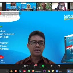 Ditjen Dikti Luncurkan Buku Panduan Penyusunan Kurikulum PT dan Aplikasi Program MBKM