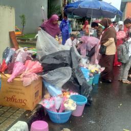 Cuaca Kurang Mendukung, Omset Penjualan Menurun