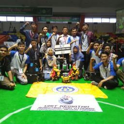 UK Robotik dan Otomasi UNP Juarai KRPAI  Berkaki Tingkat Regional 1 Sumatera